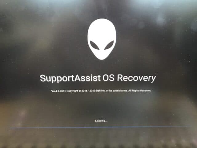SupportAssist OS Recovery 加载中